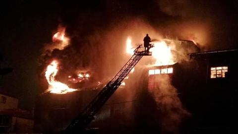 Zonguldak'ta mobilya imalathanesinde yangın
