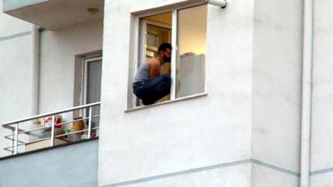 Polisi görünce intihara kakıştı!