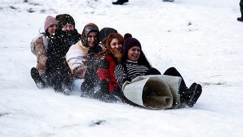 Tatilciler kayak sezonunu açtı