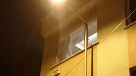Bursa'da apartmana kurşun yağdırdılar
