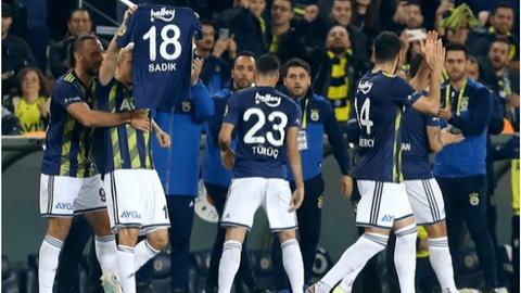 Fenerbahçe, derbide Beşiktaş'ı devirdi