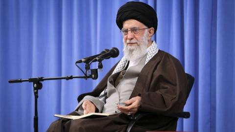 İran'ın dini lideri Hamaney'den ilk tepki: Süleymani'nin katillerini sert bir intikam bekliyor