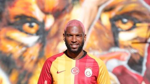 Ryan Babel Galatasaray'ı sildi