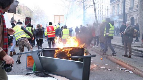 Fransa'da 11 kişi gözaltına alındı