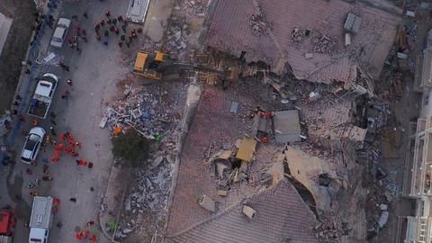 Elazığ deprem bölgesinden kareler…