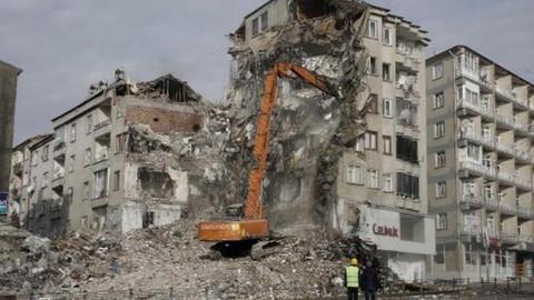 Deprem için toplanan yardım 80 milyona yaklaştı