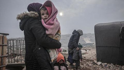 148 bin sivil daha Türkiye sınırına göç etti