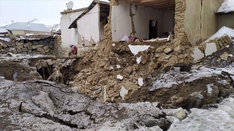 İran'daki deprem Van'ı etkiledi