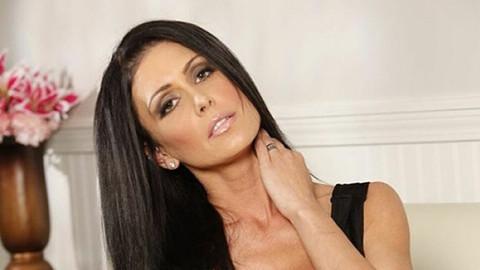Ünlü porno yıldızı evinde ölü bulundu