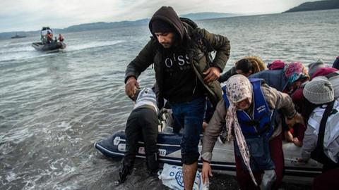 Yunanistan Başbakanı Miçotakis'ten düzensiz göçmen açıklaması!