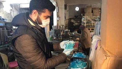 Binlerce şişe sahte dezenfektan bulundu