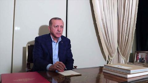 Cumhurbaşkanı Erdoğan: Mutlaka evlerimizde kalmaya devam edelim