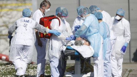 Koronavirüs can almaya devam ediyor! Bir günde 2 bin 343 kişi öldü