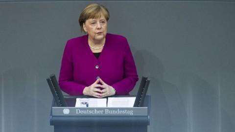 Merkel'den koronavirüs açıklaması: Geriye gidiş riskiyle karşılaşmayalım
