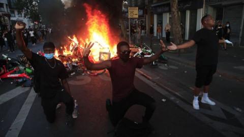Irkçılık karşıtı protestolar Fransa'ya sıçradı!