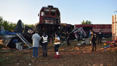 Malatya'da yük trenleri çarpıştı!