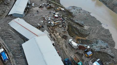 Artvin'de sel ve heyelan! 1 kişi hayatını kaybetti, 3 kişi kayıp