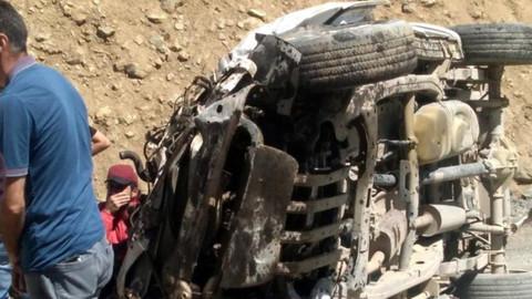 Yüksekova'da bir araç uçuruma devrildi:  6 ölü, 1 yaralı!