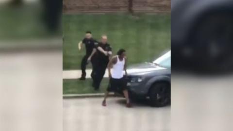 ABD'de polis siyahi birine ateş etti!