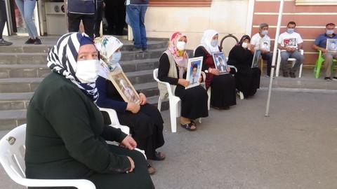 HDP önündeki ailelerin evlat nöbeti 357'nci gününde
