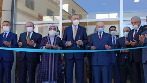 Cumhurbaşkanı Erdoğan Bitlis'te, Ahlat Gençlik Merkezi'nin açılışını gerçekleştirdi