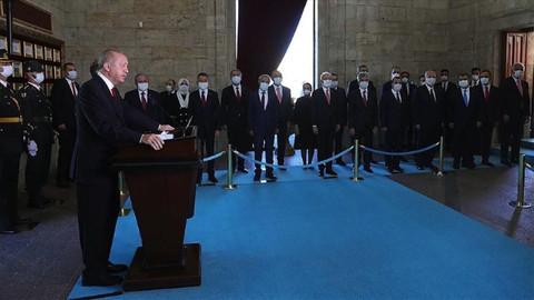 Cumhurbaşkanı Erdoğan liderliğinde devlet erkanı Anıtkabir'de