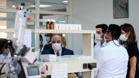 Bakan Varank: Favicovir, tüm Türkiye'de hastalarımıza veriliyor
