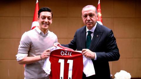 Almanya'dan Mesut Özil'e resmi özür mektubu