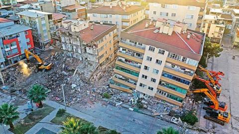 Depremde çöken sitenin inşaatında çalışıyordu: Ben harç taşırken inşaatta yürümeye korkuyordum
