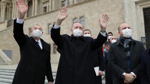 Cumhurbaşkanı Erdoğan Azerbaycan'da Zafer Günü'ne katıldı
