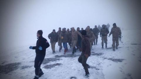 Tatvan'da askeri helikopter düştü: 9 asker şehit