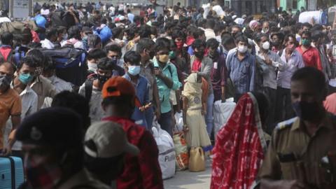 Hindistan'da koronavirüs vaka sayılarında dünya rekoru!
