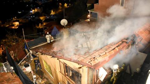 Sarıyer'de müstakil bir evde çıkan yangın söndürüldü