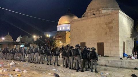 İsrail Mescid-i Aksa'da cemaate saldırdı! Türkiye'den İsrail'ie tepkiler...