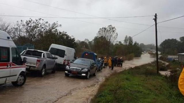 Askeri araç sele kapıldı: 1 asker kayıp