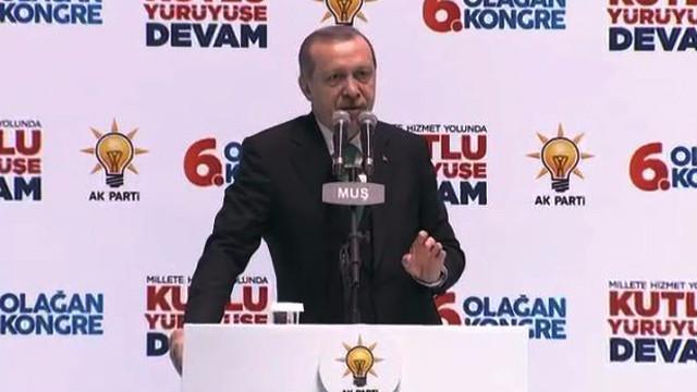 Erdoğan: Varlıklarını yurt dışına kaçırmaya çalışanlara fırsat vermeyin