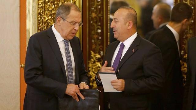Son dakika! Çavuşoğlu ile Lavrov telefonda Suriye'yi görüştü