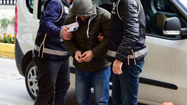 Son dakika... Adana'da polisten kaçmak isteyen firari balkondan atladı