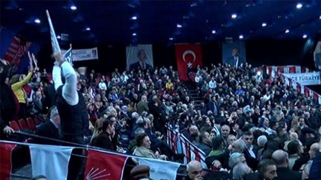 CHP İstanbul Kongresi'nde kavga çıktı