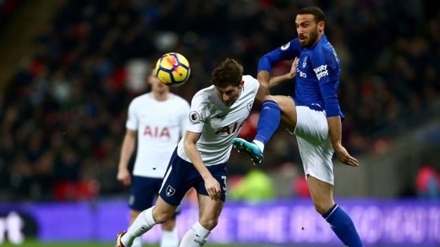 Cenk Tosun'un ilk 11'de başladığı maçta Everton farklı kaybetti