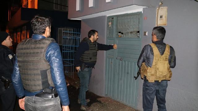 Son dakika Afrin haberleri... Adana'da PKK propagadası yapan 9 kişi gözaltına alındı!