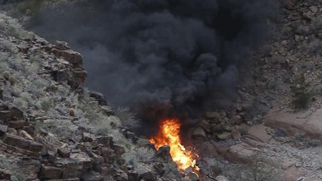 Büyük Kanyon'da Helikopter Düştü: 3 Ölü, 4 Yaralı ABD'nin en önemli sembollerinden ve turistik bölgelerinden Büyük Kanyon'da bir tur helikopterinin düşmesi sonucu 3 kişi hayatını kaybetti, 4 kişi yaralandı. ile ilgili görsel sonucu