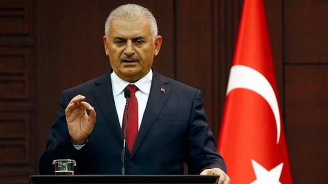 Başbakan Yıldırım: Bazıları bölgeye TIR'lar dolusu silahlar gönderirken biz yardım gönderiyoruz