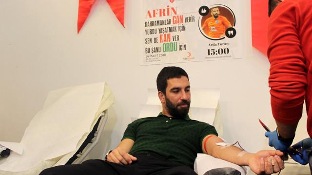 Arda Turan Afrin'deki askerler için kan bağışında bulundu