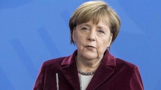 Merkel: Türkiye Suriyeli mültecileri alarak fevkalade bir iş yaptı