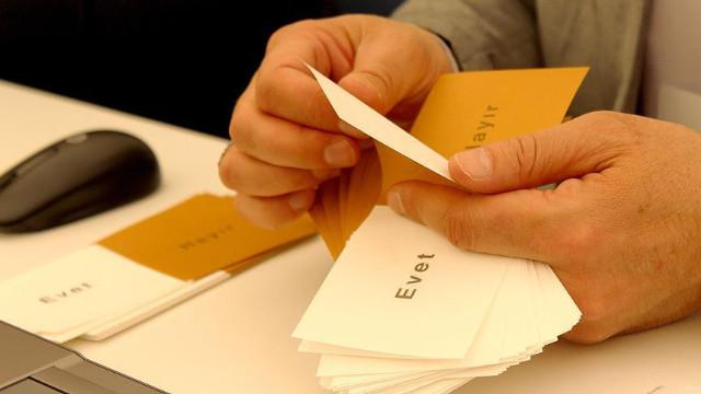 Oy kullanmaya giderken seçmen kağıdı şart mı? Oy kullanmaya giderken gerekli belgeler
