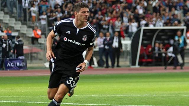 Beşiktaş'ta Tolgay Arslan ve Mario Gomez takası