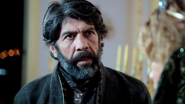 Kalbimin Sultanı Halet Efendi , Tuncer Salman kimdir?