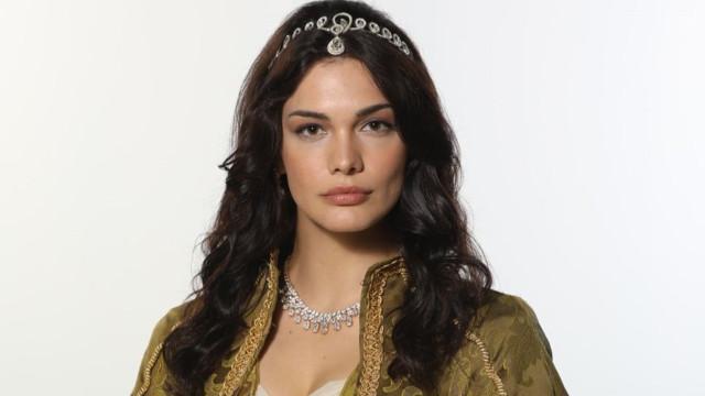 Kalbimin Sultanı Hoşyar Sultan, Beste Kökdemir kimdir?