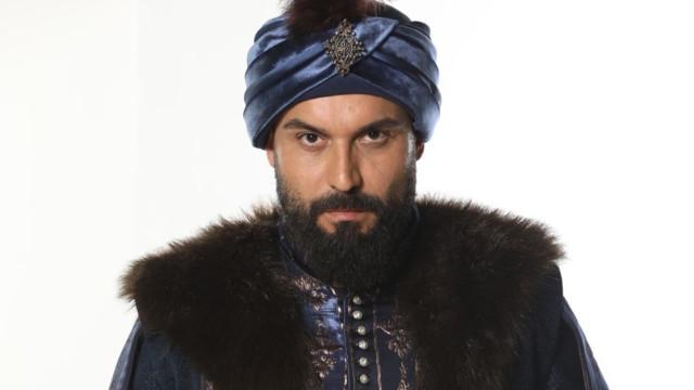 Kalbimin Sultanı 2. Mahmut, Ali Ersan Duru kimdir?